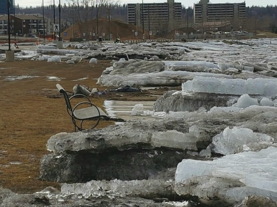 Don't think I'd want to be sitting there as the ice was driven into shore!